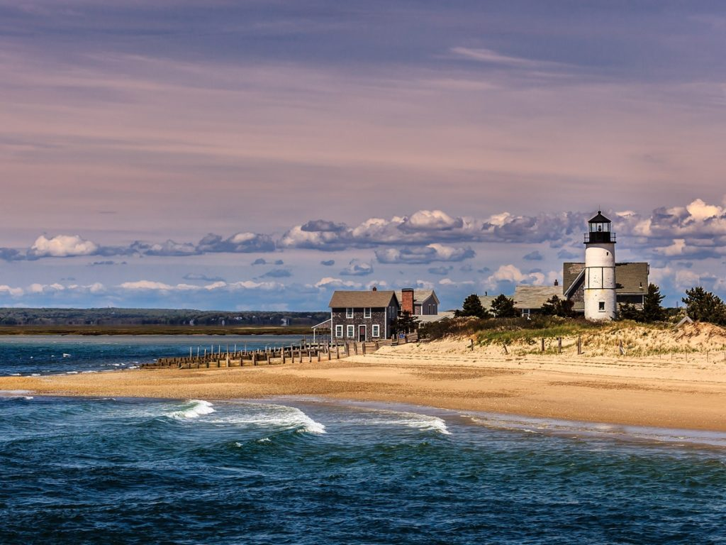 3 Simple Ideas to Keep You Entertained If You're Traveling to Cape Cod on Business