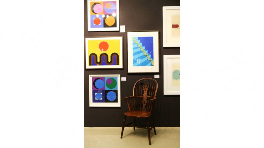 5 Tips On Shopping For Competitively Priced Art Pieces Online