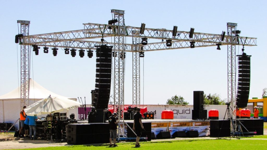 How to Properly Choose the Best AV Equipment Rental Company for Your Event