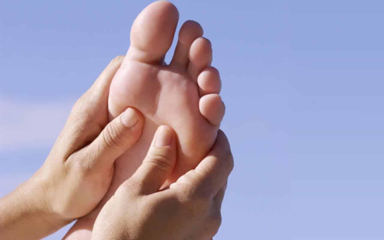 C:\Users\Korisnik\Desktop\Most-Comfortable-Walking-Shoes-Feet-Ilustration-Image.jpg